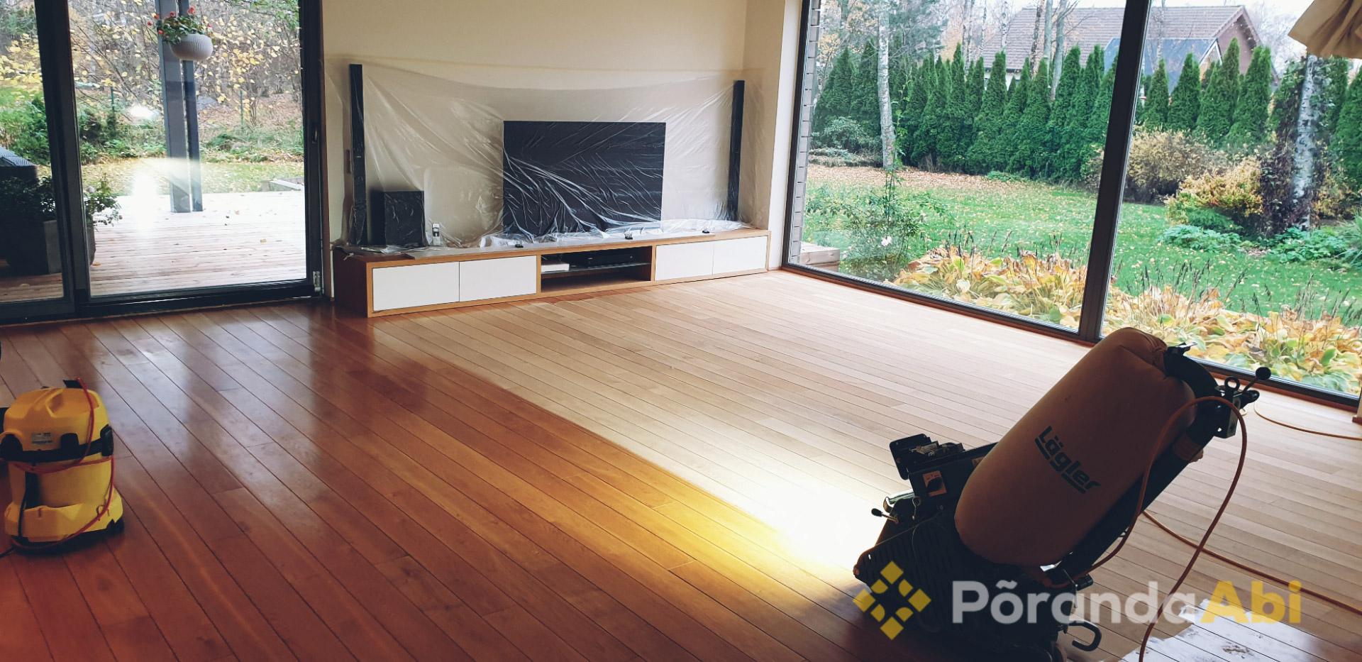 Laudpõranda tolmuvaba lihvimine elutoas